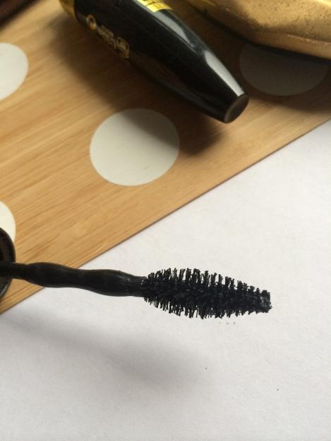 Maybelline Go Extreme! Leather Black Mascara
