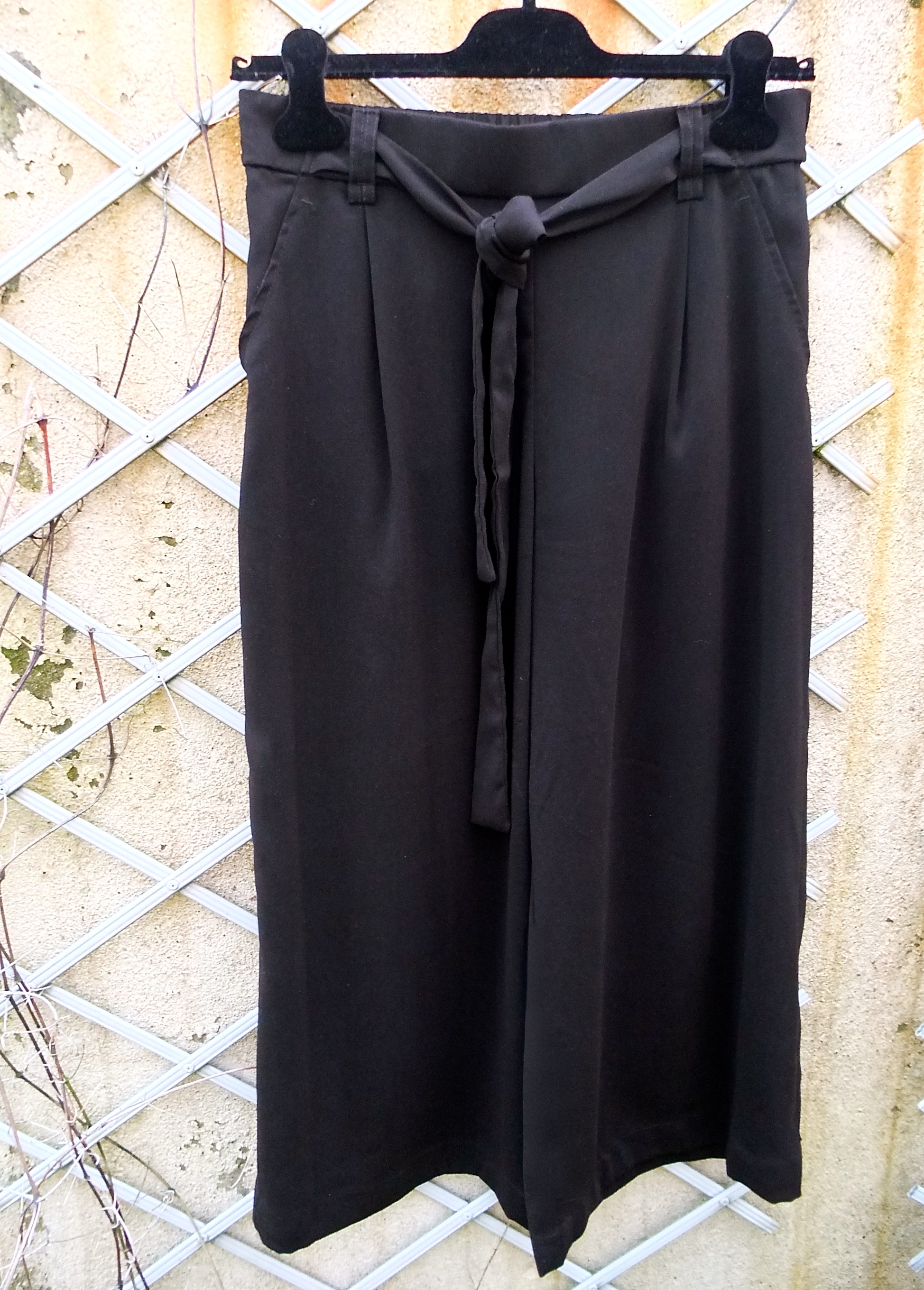whether itu0027s boots tights socks sneakers heels a cardigan or a shirt these black culottes are the perfect staple for the winter months